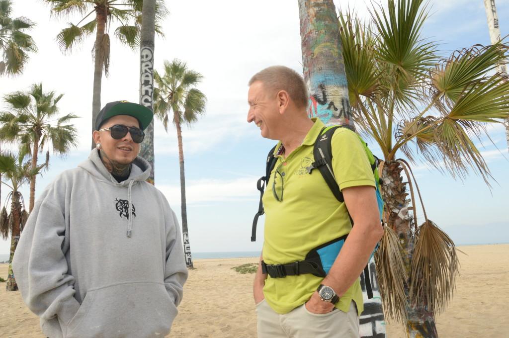 Hans Heyda in gesprek op Venice Beach, Los Angeles